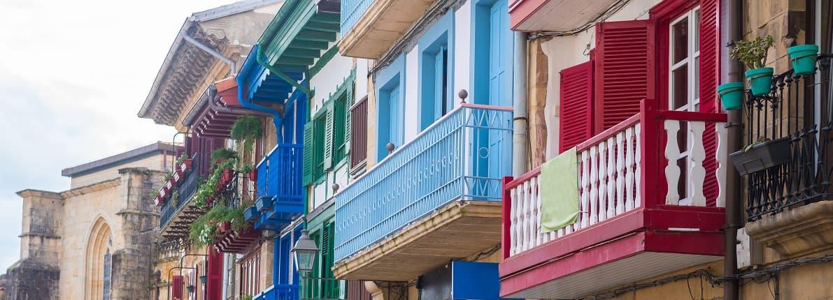 ¿Puedo pintar las paredes de mi balcón de otro color?