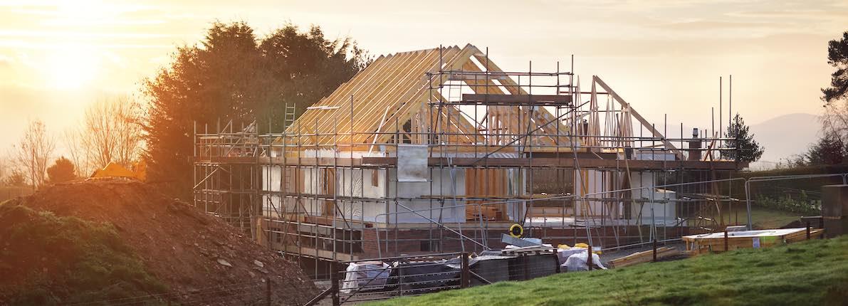 8 pros y contras de construir o rehabilitar una vivienda para hacerla más sostenible
