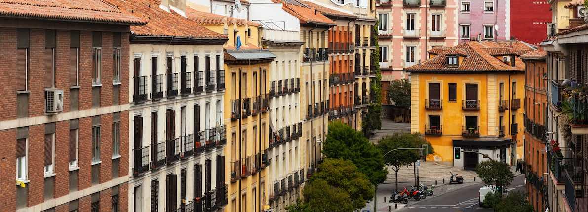 Madrileños y barceloneses recortan el presupuesto para alquilar un -8% y un -20% en el último año